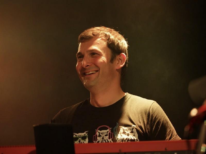 Alec Vrublevskyy (keys.)